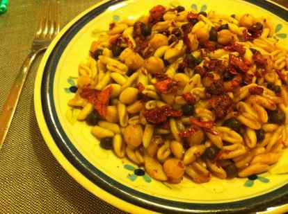 Pasta with black and white chick peas